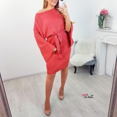 Robe-pull manches oversizes fendues corail