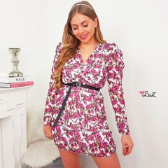 Robe flower power fond blanc