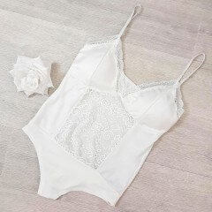 Body lingerie satin blanc