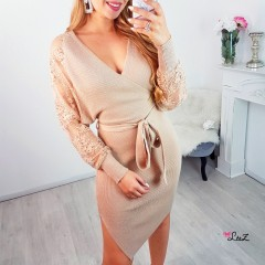 Robe-pull cache-coeur manches dentelle nude